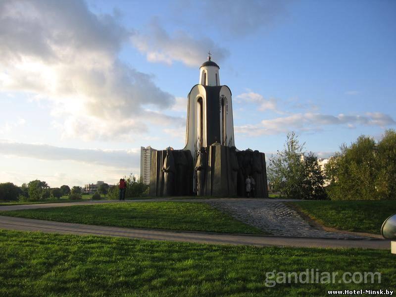 Храм на острове слез, Храм на Немиге, Троицкое предместье - остров слез